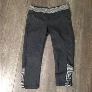 Athleta Pants - Athleta gray cropped workout pants. Medium