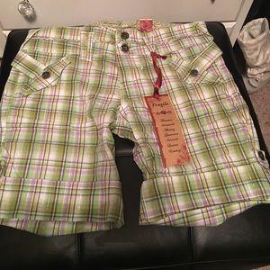 NWT Fragile plaid shorts. Size 9