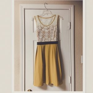Anthropologie A'Reve Mustard & White Lace Dress