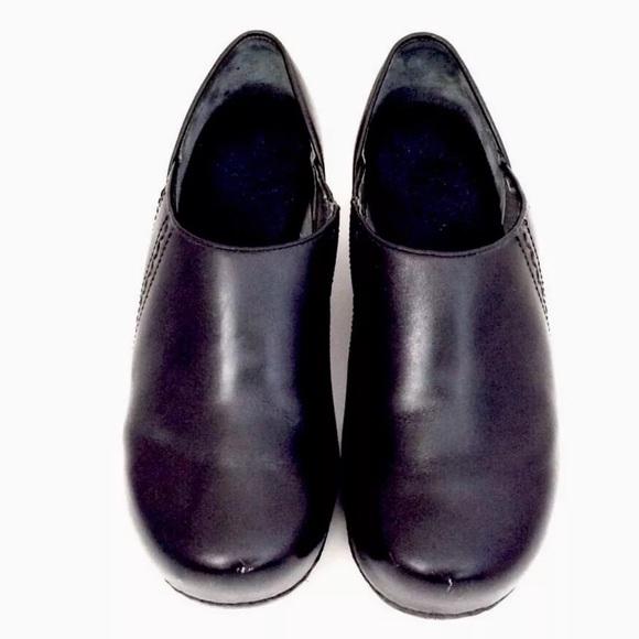 77 dansko shoes dansko s black leather slip