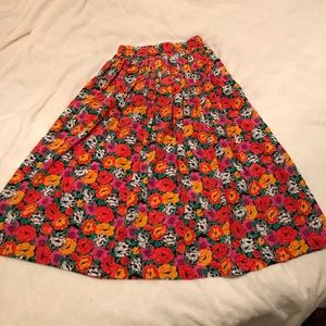 Gorgeous vintage midi skirt