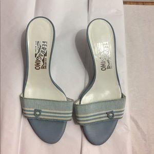 Ferragamo Shoes - Ferragamo sz 5 grosgrain slides