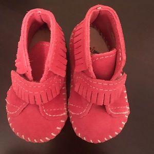 Minnetonka Other - Pink MinneTonka Shoes Baby Size 2