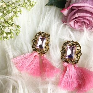 Jewelry - Pink tassel stud earrings