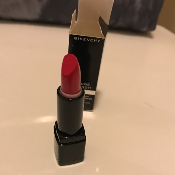 65 off givenchy other givenchy rouge interdit satin lipstick 23 fuchsia from sarah 39 s for Givenchy rouge miroir lipstick