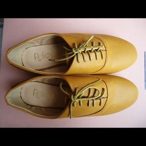 Refresh Round Toe Lace Up Oxford Flat Mustard 5.5