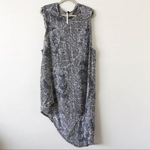 Topshop Dresses & Skirts - Topshop Grey Rose Print Dress