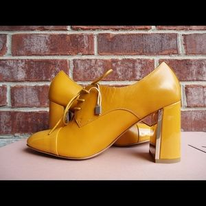 CARLO PAZOLINI Shoes - CARLO PAZOLINI Leather Oxford Pumps Size 6 Mustard
