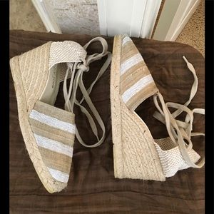 Andre Assous Shoes - Andre Assous  tie up wedge NWOT