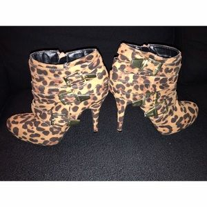 Shoes - 🎉 Leopard Heel Booties Sz 8 🎉