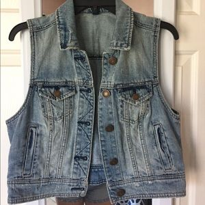 American Eagle Outfitters Jackets & Blazers - Trendy Light Wash Denim Vest