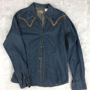 Wrangler Tops - Wrangler chambray button down shirt