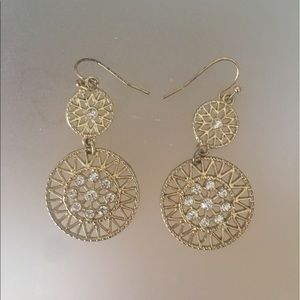 Jewelry - Gold sparkly dangly rhinestone circle earrings