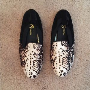 Yosi Samra Shoes - Urban Outfitters Yosi Samra calf loafers