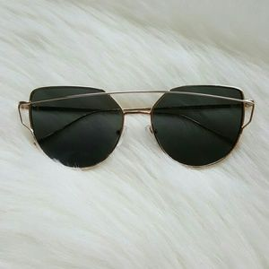 Free People Accessories - ❤Gold Sunglasses❤
