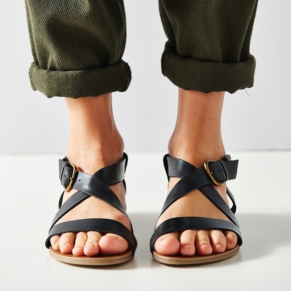 67077523f13 One hour Urban outfitters Madison leather sandals.  M 591b2e093c6f9f374600b38b