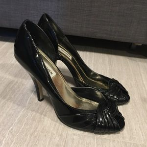 Steve Madden Patent Leather Knot Heels