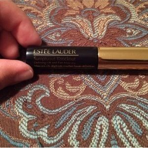 Estee Lauder Other - Estée Lauder sumptuous mascara in black