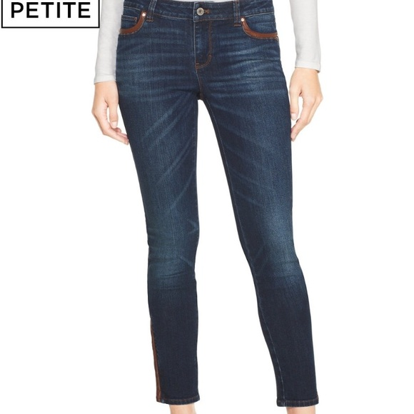 458cce678d996 M_591b3ba22599fee26000dfd2. Other Jeans you may like. White House Black  Market ...