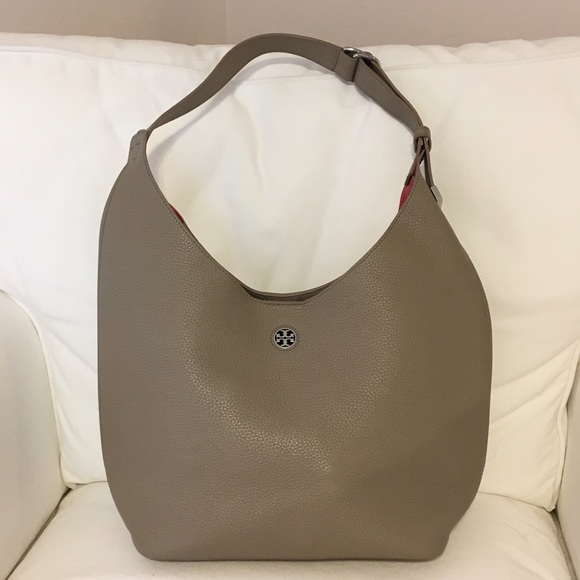 e6740d68f98b Tory Burch Perry Hobo Bag. M 591b5179fbf6f9937b012c58