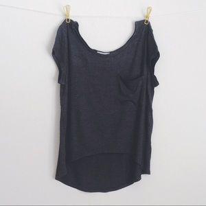Tops - 5⭐️super Soft rayon Charcoal hi-low top w pocket