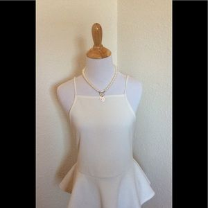 Jayne Copeland Other - Adorable dressy tank by Cope.