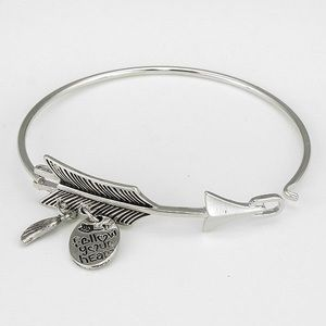 'Follow Your Heart' Arrow Bracelet