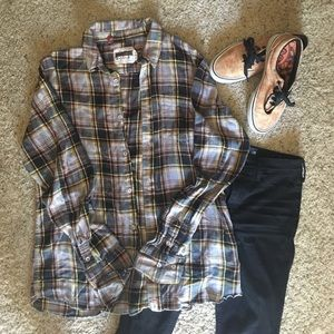 altamont  Tops - Plaid flannel button up