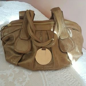 gustto Handbags - Beautiful gold Gustto leather bag