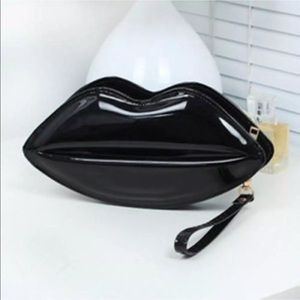 Handbags - Black lips wristlet/Crossbody purse NEW with tags