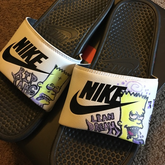 pantalla exilio Cubeta  Nike Shoes   Nike Slides   Poshmark