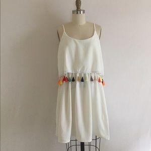 Dresses & Skirts - NEW White tassel boho tunic mini dress