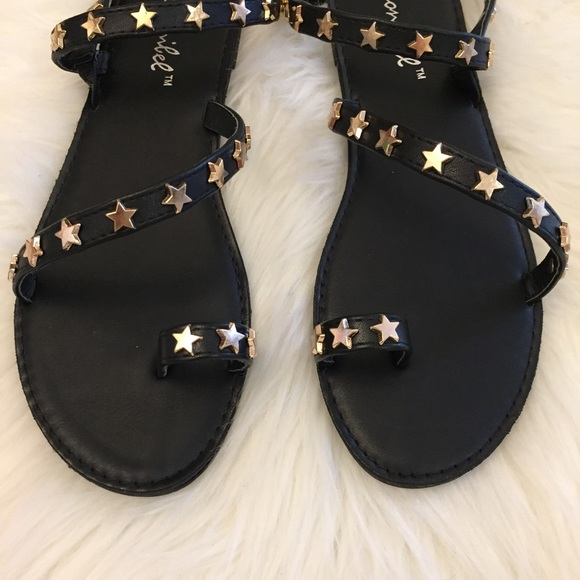 36f79efc3b7 •LAST 1• Black Star Studded Toe Ring Sandal