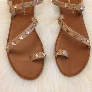 ShopBossyJocey Shoes - •LAST 6• Nude Star Studded Toe Ring Sandals