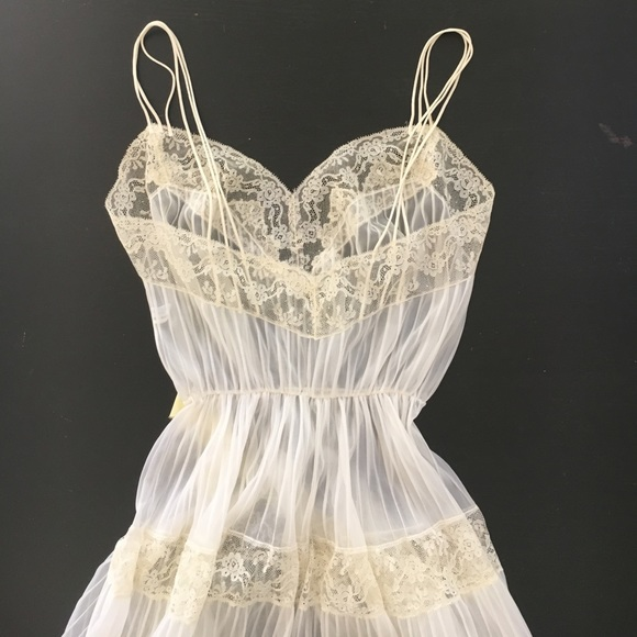 Vintage Vanity Fair Nightgown 6