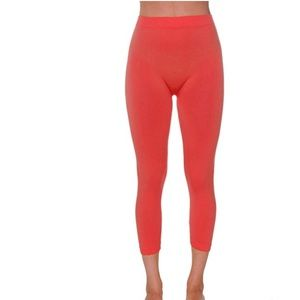 newyork  Pants - Plus size seamless red Capri pants silky soft 💋💋