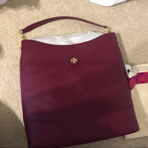 c84247a8580 Tory Burch Thea whipstitch logo hobo bag