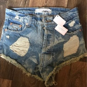 The Laundry Room Pants - The laundry room distressed denim hot shorts