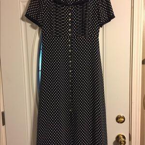 cynthia howie Dresses & Skirts - Great dress by Cynthia Howie size 6