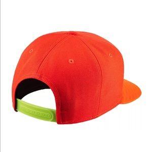 8a230e1f8fdf Nike Accessories - Nike Men s True FB Field General Snapback Cap