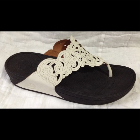0a252ccc6830d Fitflop Shoes - Fitflop  Flora  White Leather Thong Sandal