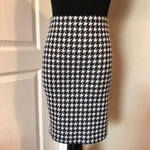CUSTOM Dresses & Skirts - 🔥New🔥 Black & White Houndstooth  Pencil Skirt
