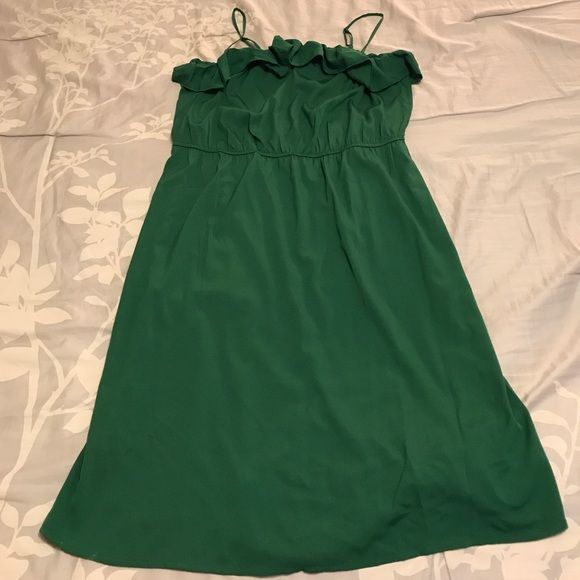 3d94d77bfc34 Old Navy green tube dress with ruffle