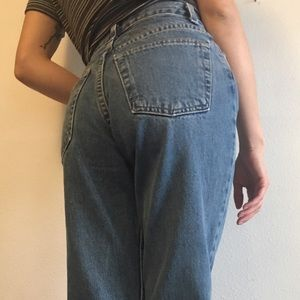 Urban Outfitters Denim - Vintage High Waisted Mom Jeans