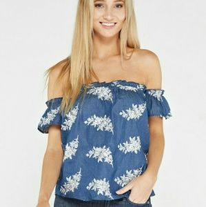 Tops - Blue and white embroidered off shoulder