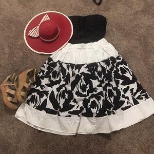 Eloquii Dresses & Skirts - Black and white Skirt!