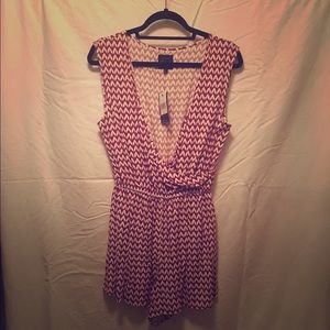 NWT red and white houndstooth romper size large