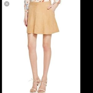Joie Suede Mini Skirt. Size 6. NWT.