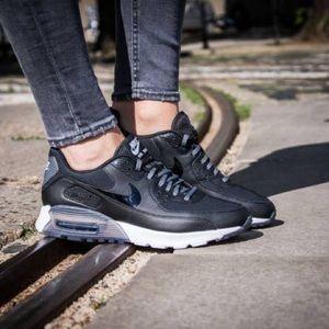 Nike Shoes - Nike Air Max 90 Ultra Essential Sneakers