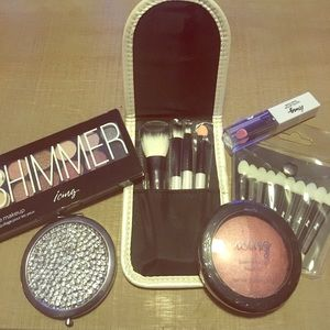 Icing Other - NWOT Icing Makeup Collection